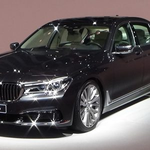 Rent a car executive class. bmw 750li