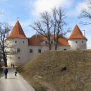 Замок Bauska